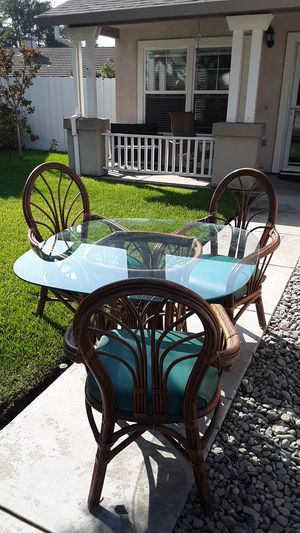 Dining Table for Sale in Lathrop, CA