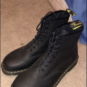 MENS SIZE 11 DOC MARTENS 1460 for Sale in Muncy, PA