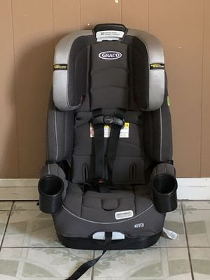 PRACTICALLY NEW GRACO 4EVER CONVERTIBLE CAR SEAT for Sale in Riverside, CA