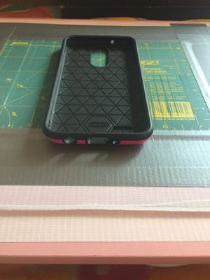 Cell phone Hard Case/It's pink on the bottom. Please buy it. for Sale in Los Angeles, CA