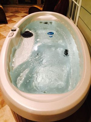 Two person hot tub for Sale in West Palm Beach, FL