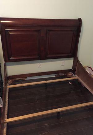 Bed frame Queen for Sale in Land O Lakes, FL