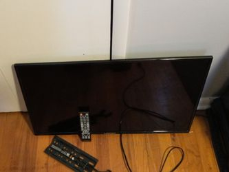 """32"""" Element Flat screen TV for Sale in Elyria,  OH"""