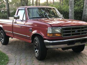 7.3 1995 Ford 250 5 speed manual DIESEL for Sale in Delray Beach, FL