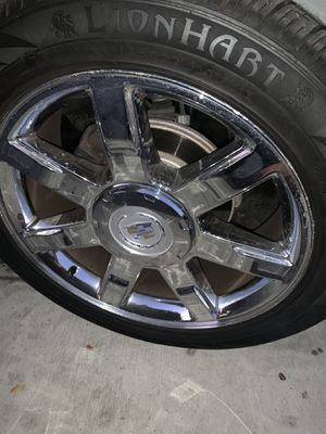"2011 Escalade stock 22"" wheels with lion hart tires 90% for Sale in Compton, CA"