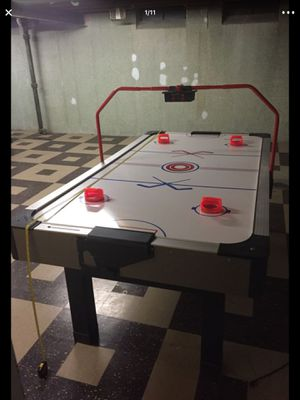 Used Carrom Air Hockey Table for Sale in Roseville, MI