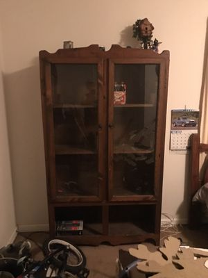Curio cabinet for Sale in Boonville, IN
