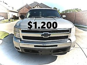 💲1,200 2011 Chevrolet Silverado Very Clean!Runs and Drives great.❤️ for Sale in Bridgeport, CT