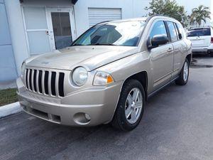 2010 jeep compass for Sale in Miami, FL
