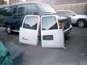 Chevy express 2500 van 2006 puertas traseras en buenos condiciones for Sale in North Plainfield, NJ