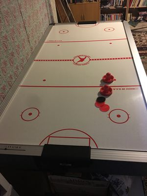 Air hockey table for Sale in Boxborough, MA