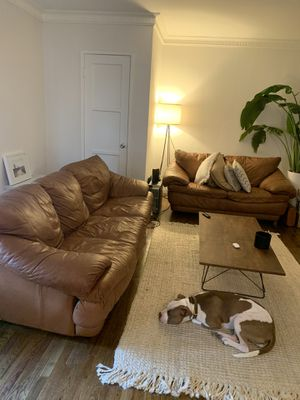 BROWN LEATHER COUCH SET FOR SALE for Sale in Los Angeles, CA
