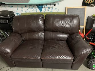 Electric Leather Recliner Couch for Sale in San Juan Capistrano,  CA