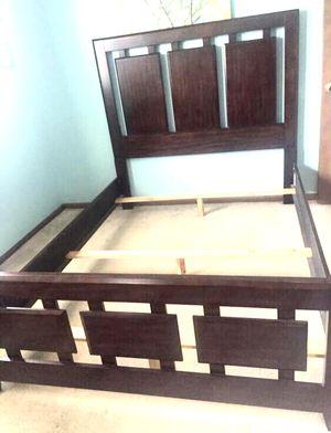 Art van queen bed frame for Sale in Rochester Hills, MI
