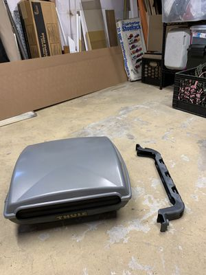 Thule castaway fishing rod holder for Sale in Ronkonkoma, NY