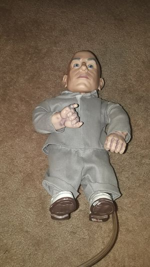12 in mooning mini me figure from Austin powers for Sale in Hillsboro, OR