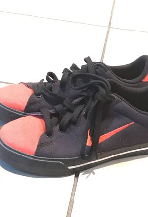 New shoes never been Worn Nike black and red shoes for Sale in Laveen Village, AZ