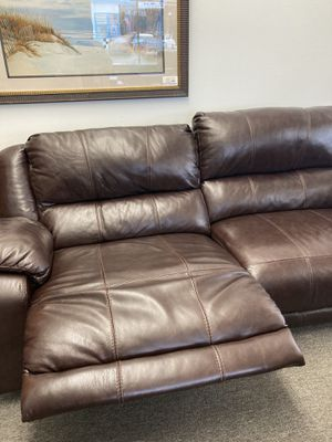Leather Reclining Sofa for Sale in Vancouver, WA