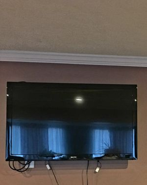 Sanyo 40in. TV w/wall mount for Sale in Baltimore, MD