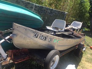 Enjoy fishing .! Ready to hit the lake / bay for Sale in El Cajon, CA