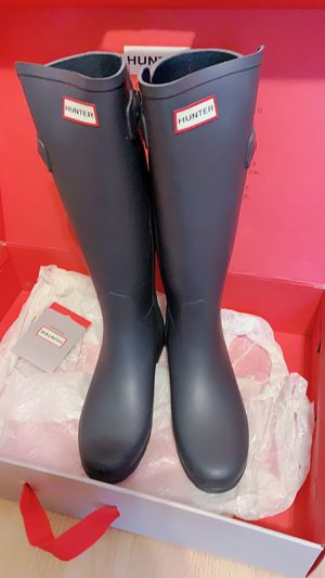 Women's Refined Slim Fit Tall Rain Boots for Sale in New York, NY