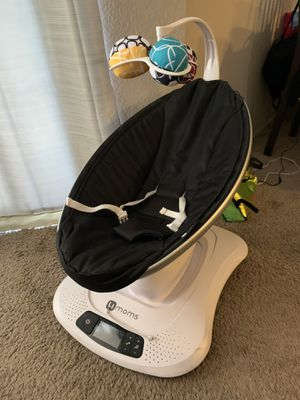 4moms mamaRoo Infant Swing w/ Bluetooth for Sale in Spring Valley, CA