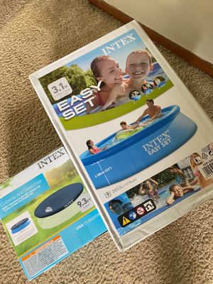 Intenx Easy set pool 10x30 and a pool cover for Sale in Columbus, OH