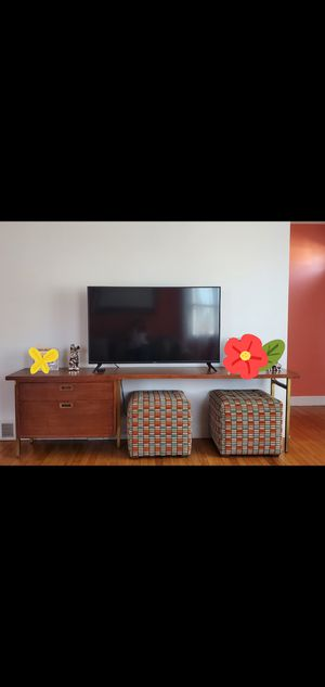 Console table for Sale in Pawtucket, RI