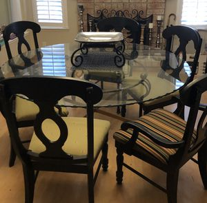 Dinning table set New York local designer dinning set for Sale in Hercules, CA