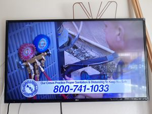 LG tv 43 inch, DVD, wall mount and air antenna. for Sale in Hialeah, FL