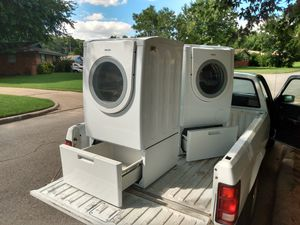 Bosch front loading washer and dryer for Sale in Oklahoma City, OK