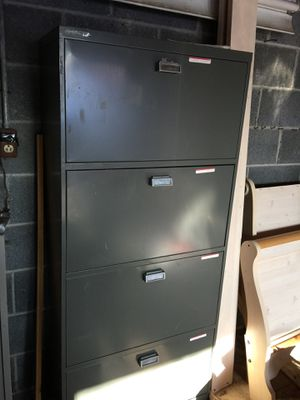 Four drawers File Cabinet for Sale in Dearborn, MI