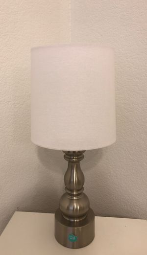 lamp for Sale in Hesperia, CA