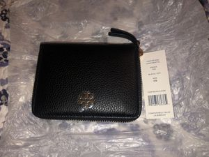 Tory Burch small wallet for Sale in Carson, CA