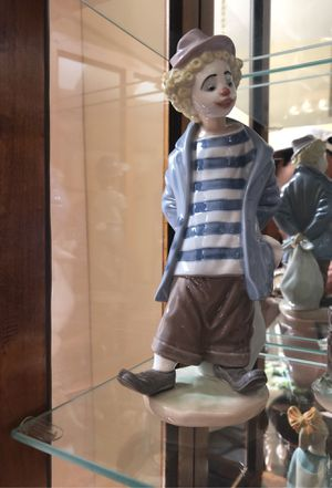LLADRO collectible Little Traveler for Sale in Aurora, IL