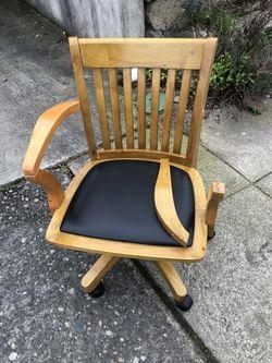 Swivel Desk Chair for Sale in Seattle,  WA