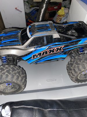 Traxxas max used 4 times almost brand new want something diff for Sale in Beaverton, OR