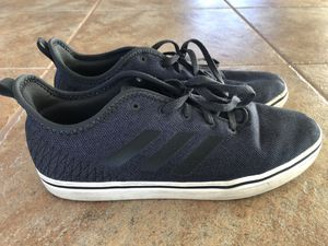 ADIDAS Like-New Men's Defy Carbon Core Black Chalk White Shoes Size 10.5 for Sale in Murrieta, CA