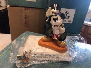 Walt Disney Classics Collection Mickey for Sale in Aurora, IL