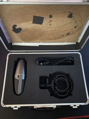 Shure PG42 for Sale in Charleston, WV