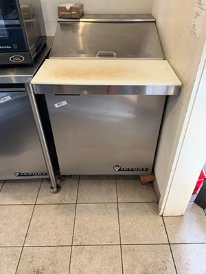 Prep station - includes fridge underneath for Sale in Dallas, TX
