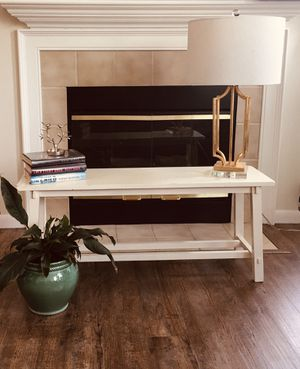 Real wood bench with shelve on bottom. for Sale in Gahanna, OH
