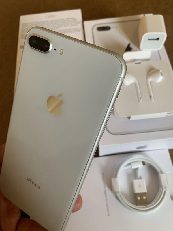 iPhone 8 Plus silver 64gb Unlocked (desbloqueado para todas las companias)