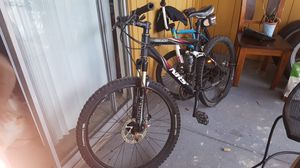 Mountain bike giant nrs2 for Sale in Tampa, FL