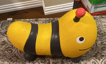 Bumble Bee Bouncer for Sale in Kyle,  TX
