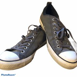 Converse Chuck CTAS OX Tec Tuff Low Top Shoes Gray/Black Mens 9.5 Womens 11.5 Unisex Water Resistant Faux Suede Feel Condition: NO BOX Good Used for Sale in Snohomish,  WA