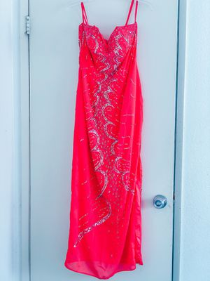 Hot pink prom dress for Sale in Moreno Valley, CA