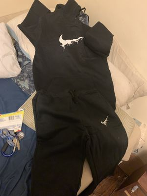 Men's Nike sweatsuit (Brand NeW) for Sale in Durham, NC