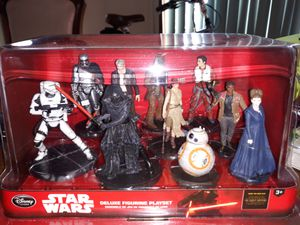 Star Wars the Force awakens Deluxe figurine set for Sale in Westville, NJ