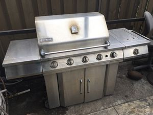B&B grill very good condition jenn-air for Sale in Lake Worth, FL